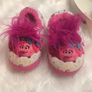 Other - Girls 10-12 poppy trolls slippers. Gently used.